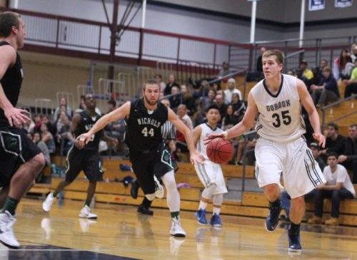 Hans Miersma paced the Scots with thirteen points and eight rebounds