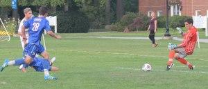 Tyler Modzeleski shoots past RW goalie Edmund Geschickter