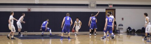 UNE pressure in the backcourt